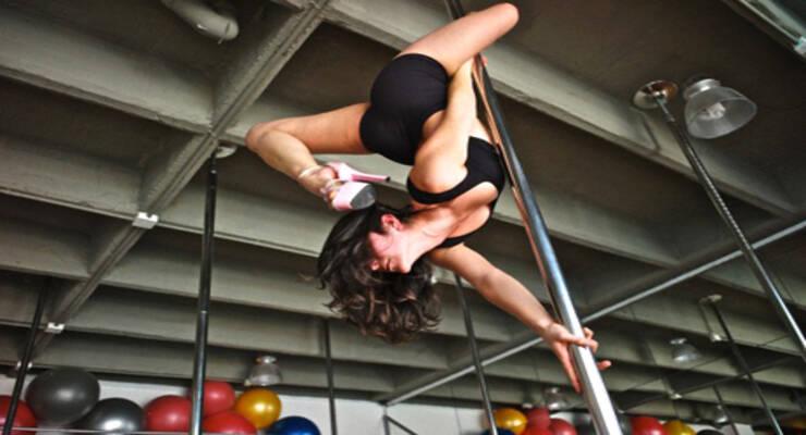 Фото к статье: Pole dance: фитнес на шесте