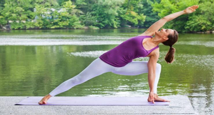 Фото к статье: Женская йога с Рави Кумаром Довлуру: третий период цикла