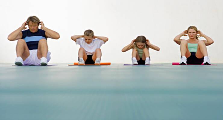 Фото к статье: Кроссфит: тренировка для всей семьи