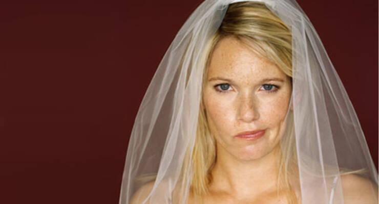 Фото к статье: Чем свадьба вредит коже