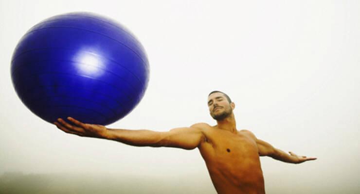 Фото к статье: Лучшие упражнения с фитболом