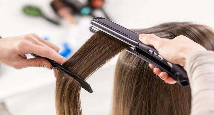 Фото к статье: Как выпрямить волосы, сохранив их здоровыми