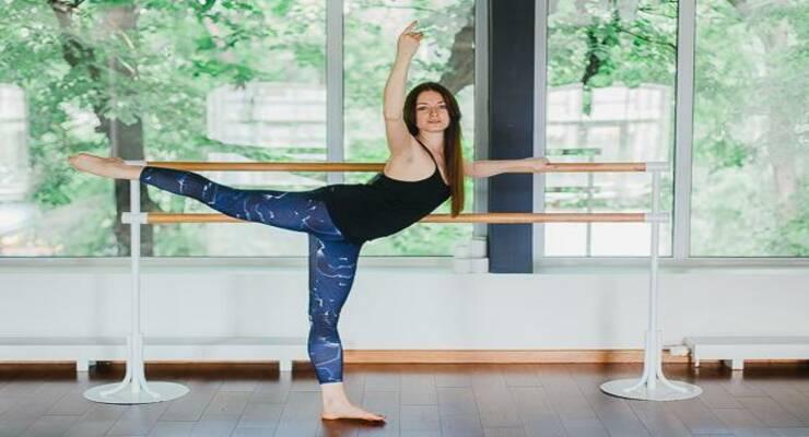 Фото к статье: Booty barre: балетные упражнения для упругих ягодиц