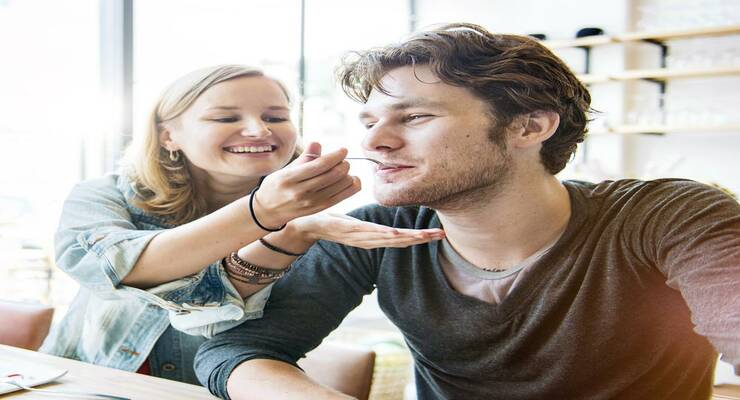 Фото к статье: Неравный брак: если муж — «большой ребенок»