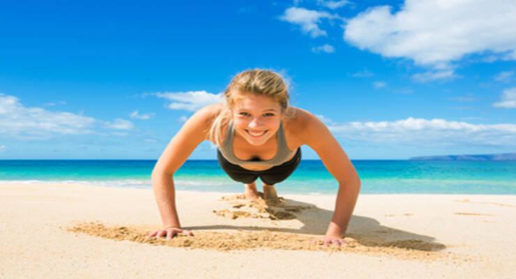 Фото к статье: Как сохранить фигуру в отпуске: план активного отдыха на море
