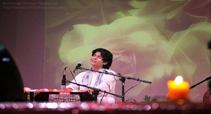Фото к статье: Концерт Битту Маллика в Джаганнате 7 июня