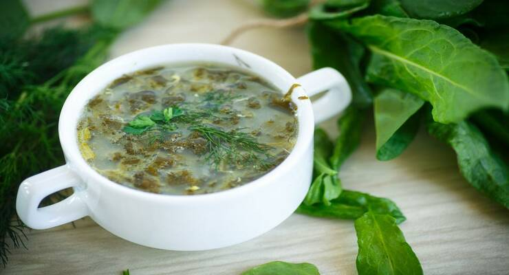 Фото к статье: Рецепт: ароматный чесночный суп с рукколой