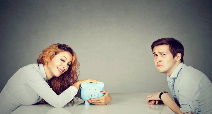 Фото к статье: 5 финансовых вопросов, из-за которых пары чаще всего ссорятся