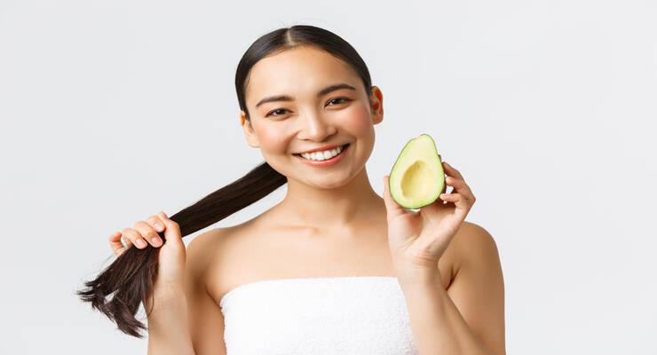 Фото к статье: 3 осенних маски для волос с авокадо