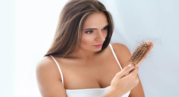 Фото к статье: Что делать, если после коронавируса выпадают волосы